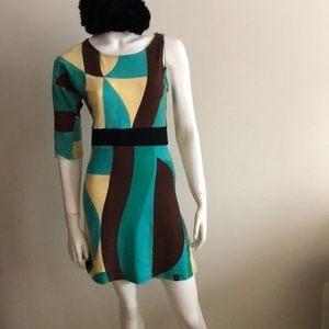 Dresses & Skirts - Mod, One long sleeve arm dress green size small